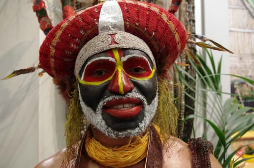 Papua New Guinea man at ITB Berlin - photo by Yvonne Zagermann, used with permission