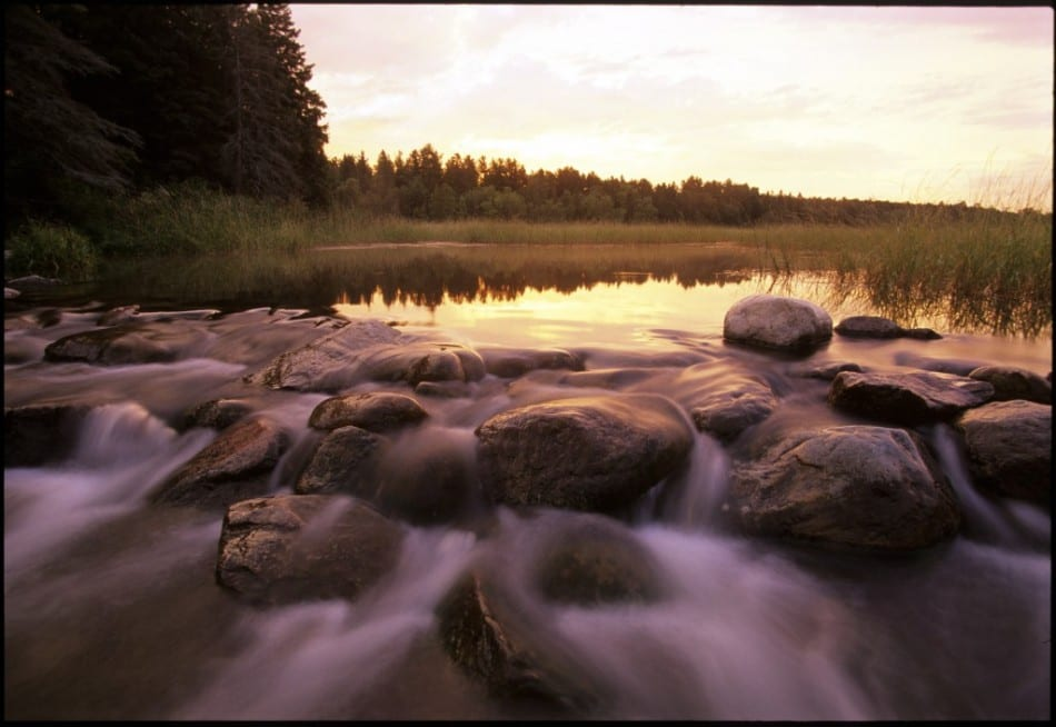 miss-river-new-Lake-Itasca-and-Headwaters-of-the-Mississippi-River-in-Itasca-State-Park-1024x705